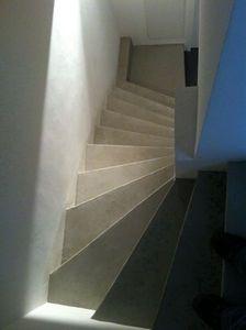 Ombre et lumière - béton ciré façon carrelage - Calcestruzzo Per Muro