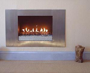 Stone & Fire - the saturn fireplace - Camino Con Focolare Aperto