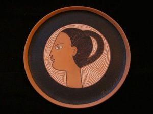 SYLVIA POWELL DECORATIVE ARTS - artemis (diane) - Piatto Decorativo